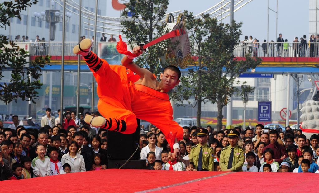 Chinese MMA Fighter Xu Xiaodong has social credit score